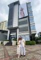 kado-tower-gilang-widya-pramana-untuk-istrinya-di-usia-29-tahun_20201015_132253.jpg