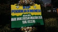 Karangan Bunga Protes PPDB Penuhi Balai Kota DKI Jakarta