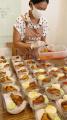 kasih-paket-makanan-warga-isoman-apresiasi-bantuan-lola-amaria_20210721_155440.jpg