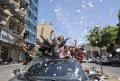 Keceriaan Pelajar Palestina Usai Lulus Ujian Akhir di Hebron