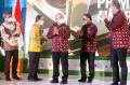 kemendag-beri-penghargaan-primaniyarta-award-kepada-apr_20211021_174013.jpg