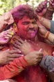 kemeriahan-perayaan-holi-di-india_20200312_015958.jpg