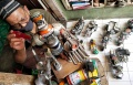 kerajinan-miniatur-moge-vespa-dan-robot-dari-kaleng-minuman_20210301_012249.jpg