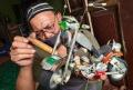 kerajinan-miniatur-moge-vespa-dan-robot-dari-kaleng-minuman_20210301_012933.jpg