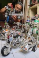 kerajinan-miniatur-moge-vespa-dan-robot-dari-kaleng-minuman_20210301_013323.jpg