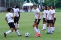 latihan-perdana-timnas-wanita-indonesia_20210308_202908.jpg