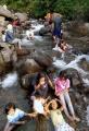 libur-lebaran-wisata-ke-sungai-cigeureuh-gunung-puntang_20210516_220758.jpg