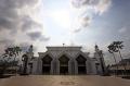 masjid-agung-at-tin-di-kompleks-tmii_20210420_204829.jpg