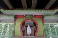 Masjid Babah Alun Warakas di Kolong Jalan Tol Wiyoto Wiyono