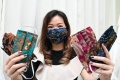 Masker Batik dan Charity Baju APD Karya Desainer Margaretha J