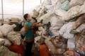 melihat-gudang-limbah-elektronik-dki-jakarta-di-kramat-jati_20201119_194308.jpg