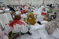 Melihat Proses Pembuatan Mukena Jelang Ramadan