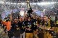 Mitra Kukar Rayakan Gelar Juara Piala Jenderal Sudirman
