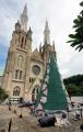ornamen-natal-gereja-katedral-jakarta_20201225_151452.jpg