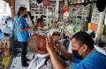 Pangkas Rambut Asgar di Tengah Himpitan Pandemi Covid-19