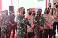 Panglima TNI Berikan Bantuan 100 Unit Laptop
