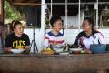 papeda-dan-kuah-kuning-makanan-khas-papua_20210928_121110.jpg