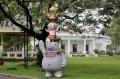 patung-maskot-asian-games-2018-di-istana-kepresidenan_20180626_174125.jpg