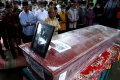 pemakaman-indah-halimah-putri-korban-sriwijaya-air-sj-182_20210125_150040.jpg