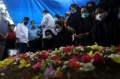 pemakaman-indah-halimah-putri-korban-sriwijaya-air-sj-182_20210125_151542.jpg