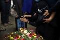 pemakaman-indah-halimah-putri-korban-sriwijaya-air-sj-182_20210125_152434.jpg
