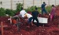 pemakaman-jenazah-covid-19-meningkat-di-tpu-jombang_20210127_004410.jpg