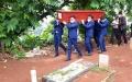 pemakaman-jenazah-pramugara-sriwijaya-air-sj-182-okky-bisma_20210115_121913.jpg