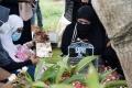 Pemakaman Komedian Sapri Pantun Banyak Dihadiri Artis