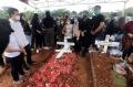 pemakaman-melisha-sidabutar-peserta-indonesian-idol-2020_20201210_191151.jpg