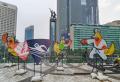 Pemasangan Maskot PON XX 2021 di Bunderan HI Jakarta