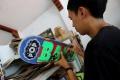 pembuatan-kacamata-dari-limbah-papan-skateboard_20190507_202246.jpg