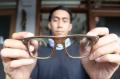 pembuatan-kacamata-dari-limbah-papan-skateboard_20190507_204746.jpg