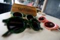 pembuatan-kacamata-dari-limbah-papan-skateboard_20190507_205205.jpg