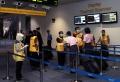 pemeriksaan-kesehatan-di-bandara-soetta-dilakukan-tiga-lapis_20200303_214037.jpg