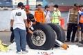 pemeriksaan-roda-pesawat-lion-air-pk-lqp_20181103_193153.jpg