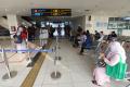Pemudik Jalani Tes Covid-19 di Terminal Terpadu Pulo Gebang