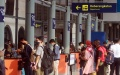 pemudik-mulai-memadati-stasiun-pasar-senen_20210505_212254.jpg