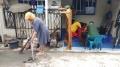Penghuni Korban Banjir Perum Total Persada Bersih-Bersih