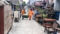 penghuni-korban-banjir-perum-total-persada-bersih-bersih_20210224_182335.jpg