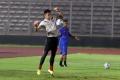 penjaga-gawang-nadeo-argawinata-berlatih-bersama-timnas-senior_20200217_231832.jpg