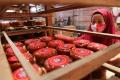 penjual-kue-keranjang-jelang-tahun-baru-imlek-2572_20210209_144508.jpg