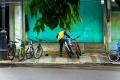 penjual-sepeda-bakas-di-trotoar-abc-bandung_20210309_112245.jpg