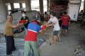 penyaluran-bantuan-sosial-non-tunai-dki-jakarta_20210729_204719.jpg
