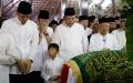 persemayaman-jenazah-ani-yudhoyono-di-puri-cikeas_20190602_154716.jpg