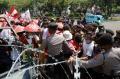 petani-sumatera-utara-demo-di-depan-istana-negara_20200826_172238.jpg