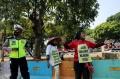 petani-sumatera-utara-demo-di-depan-istana-negara_20200826_172922.jpg