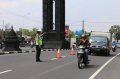 Polda Jateng Dan DIY Memeriksa Semua Kendaraan Yang Masuk