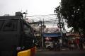 Polda Metro Jaya Lakukan Penyemprotan Disinfektan di Petamburan