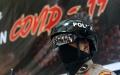polisi-gunakan-helm-thermal-pantau-pengunjung-mal-ska-pekanbaru_20200603_165753.jpg