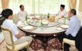 presiden-jokowi-dan-kaesang-terima-kunjungan-prabowo-dan-didit_20200102_134101.jpg